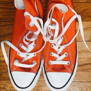 Red high top converse ONLY WORN ONCE